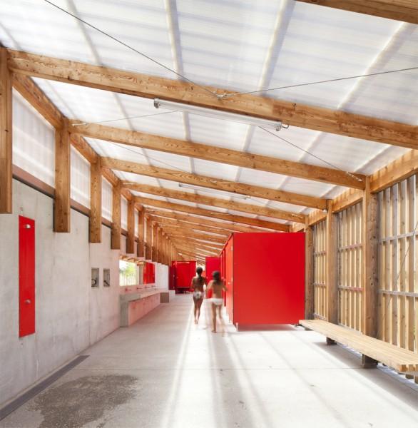 vue intérieure des vestiaires du bâtiment