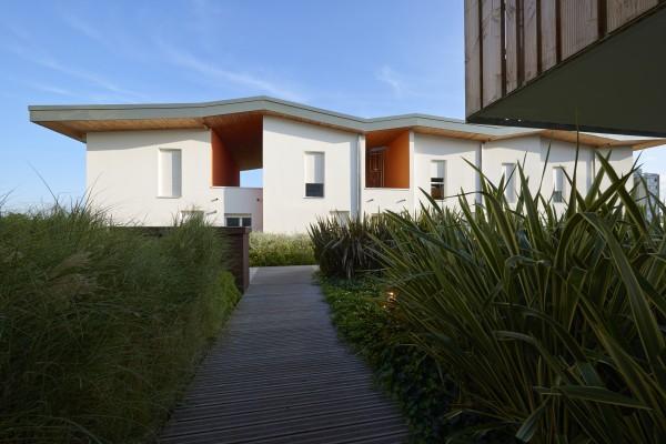 CIEL'O - passerelle sur le toit jardin / Denis Lacharme